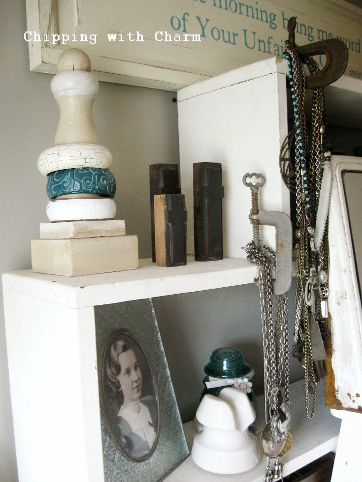 Chipping with Charm: junk to jewelry display...http://www.chippingwithcharm.blogspot.com/