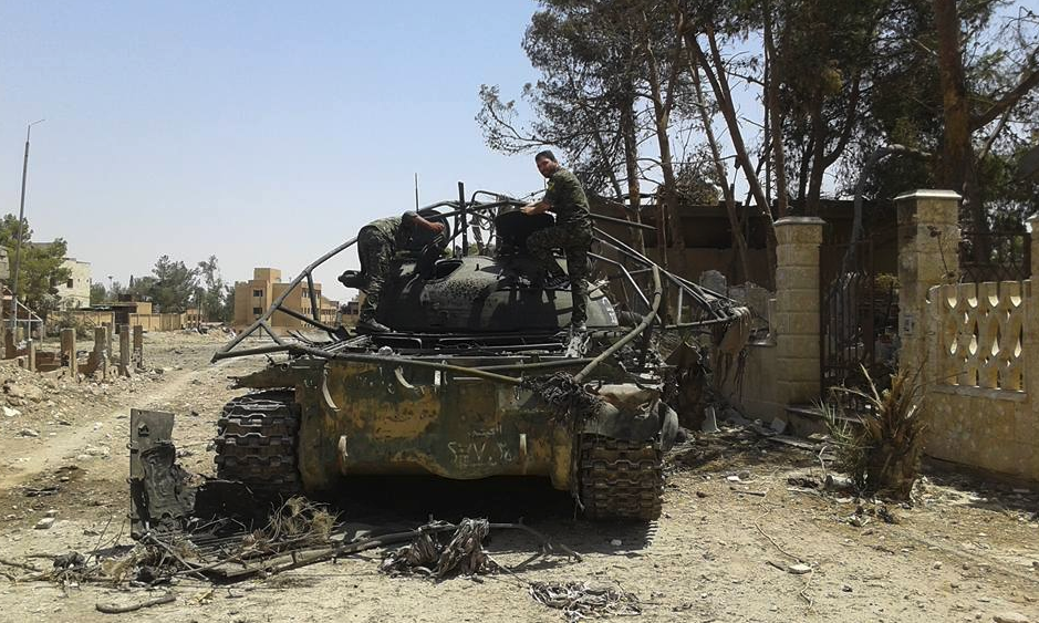 véhicules détruits CK129a_RXAAAVK4_O_png_large