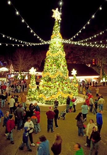 Busch gardens williamsburg presents christmas town - Busch gardens christmas town rides ...