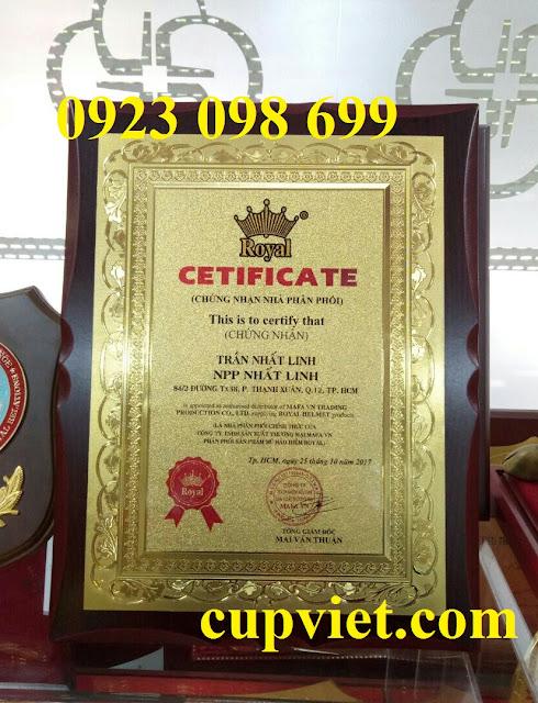 Hoa, quà, đồ trang trí:  cung cấp bằng chứng nhận, sản xuất quà tặng truyền thốn Z841277657191_f75251769630bb9f8999a672d2b5af73