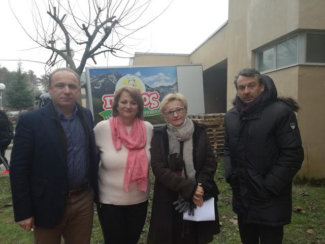 Γιάννενα: Δήμος Ιωαννιτών και «ΠΙΝΔΟΣ» διένειμαν πακέτα αλληλεγγύης σε οικονομικά αδύναμους συμπολίτες μας