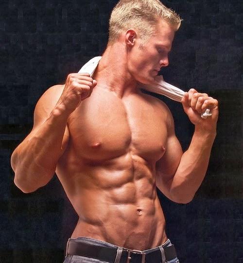 Teen Bodybuilder Blond 102