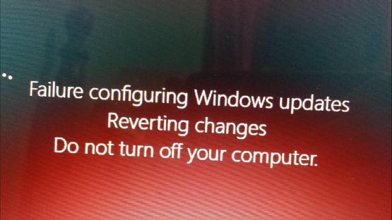 حل مشكلة Failure Configuring Windows updates REVERTING changes