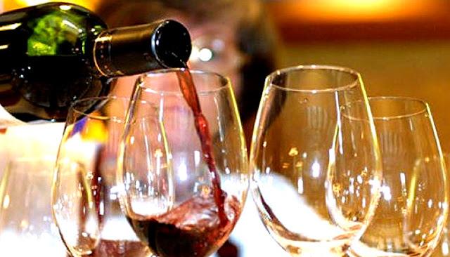शराब पीने के 8 फायदे, जो आपको चुपके से स्वस्थ रखें. Benefits of drinking