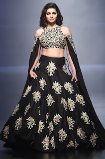 Prachi Desai In Black Lehenga Choli At Lakme Fashion Week (1)