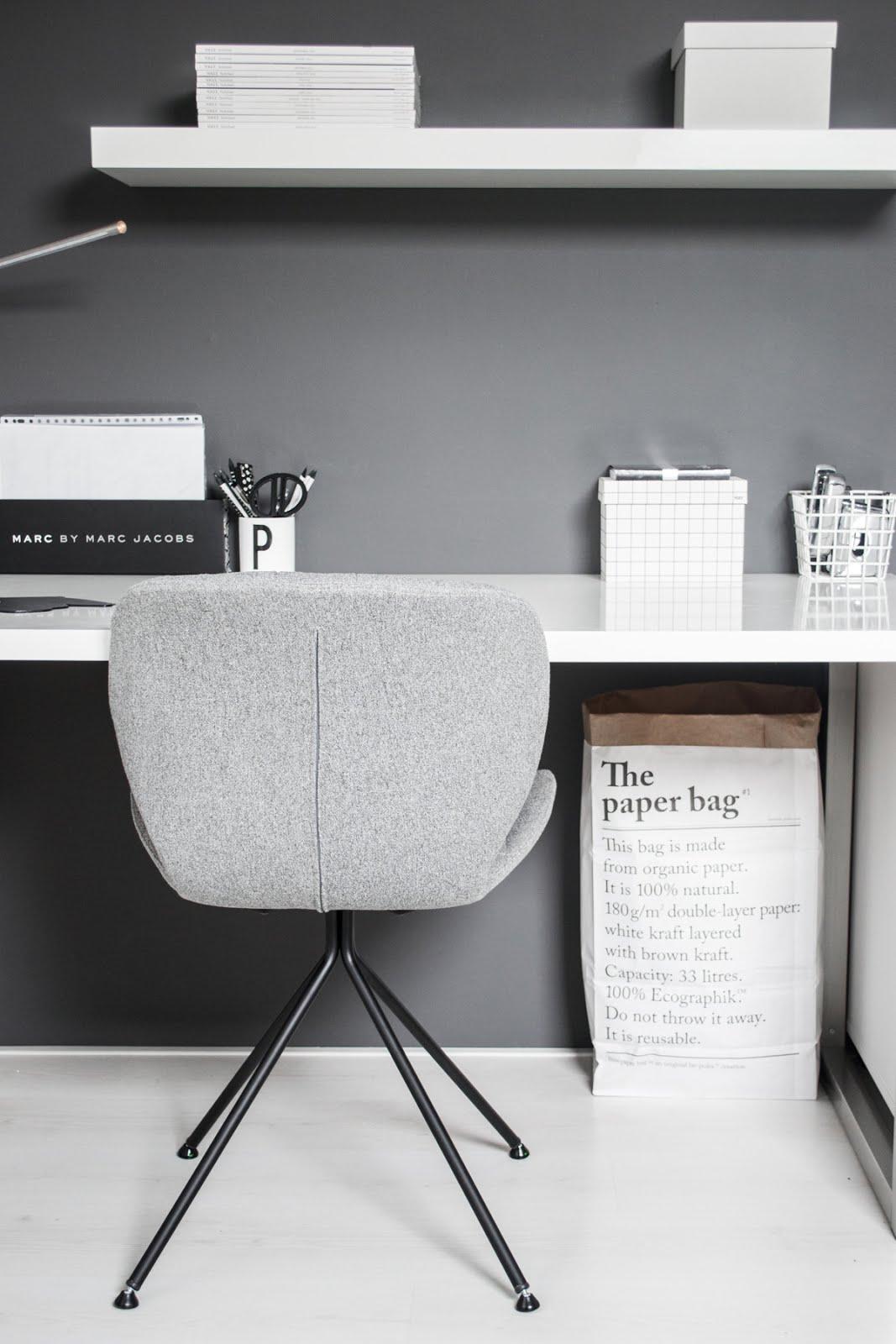 Zuiver, omg chair, minster design, minimal interior, black white, interior design, the paper bag