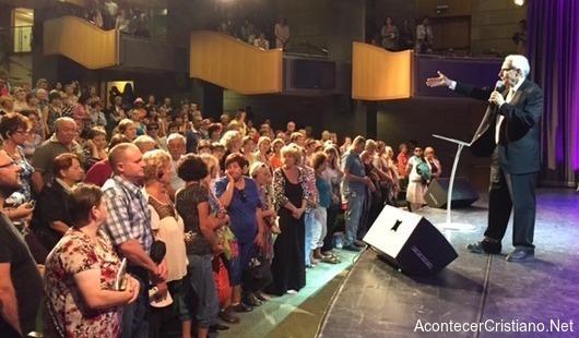 Judíos aceptan a Cristo como Señor y Mesías