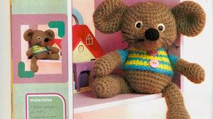 Muñeco al crochet: Ratoncito
