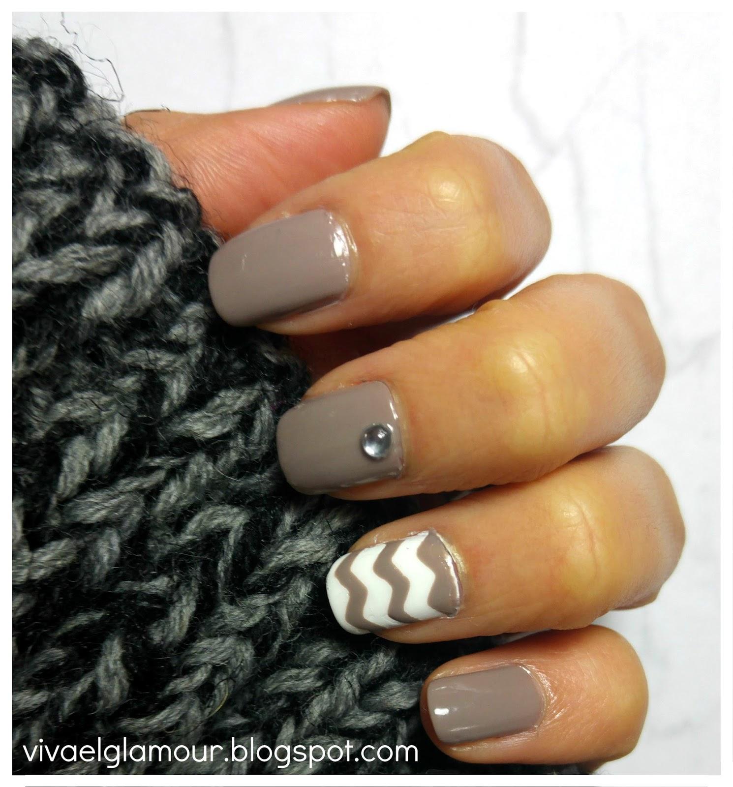 Viva el Glamour!: Uñas de la semana: Nail art y mini DIY