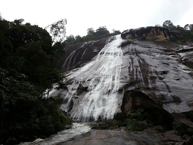 Pemandangan Air Terjun Jelawang Yang Mempesona