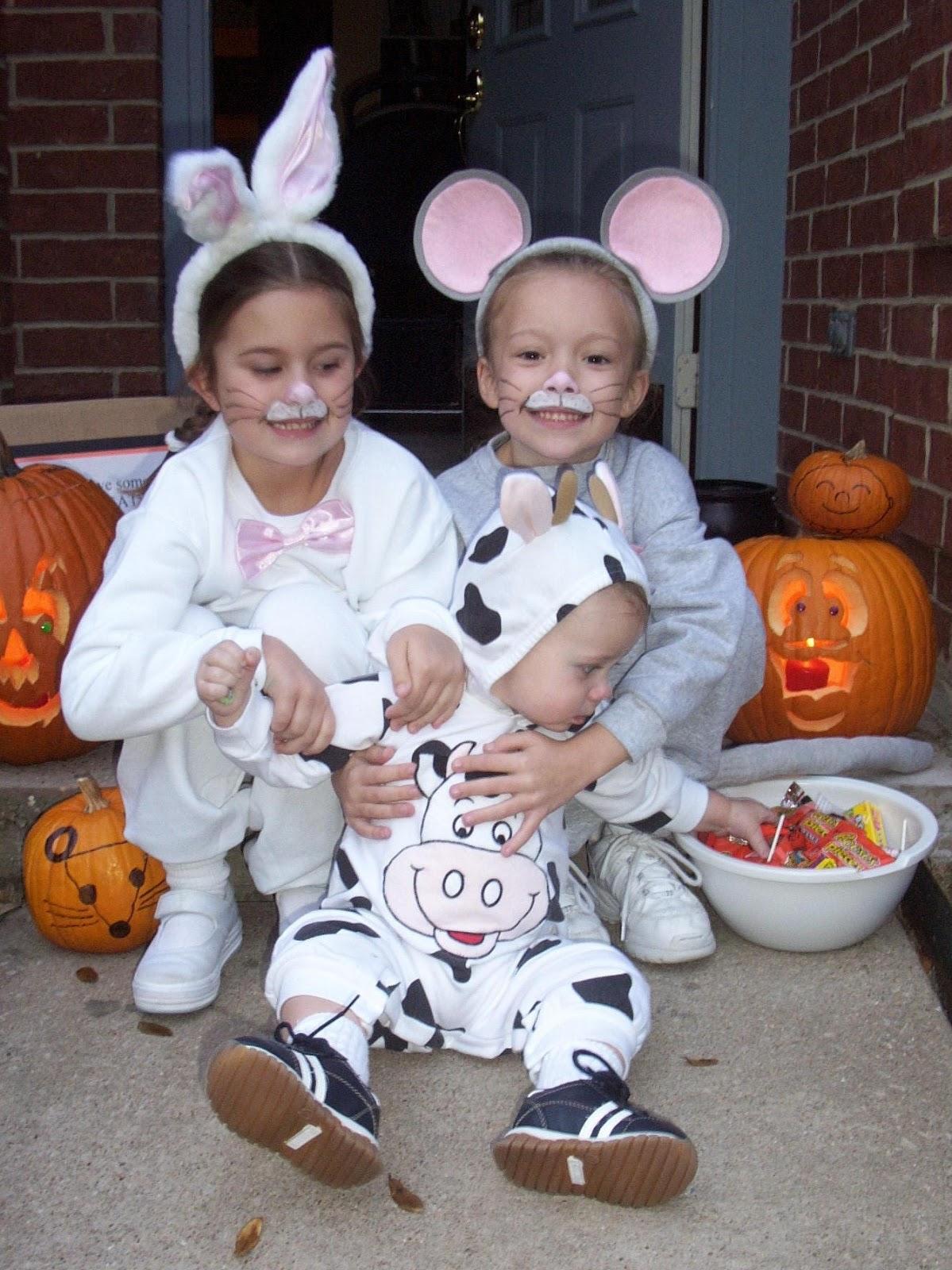 Easy Homemade Playdough Recipe: To Life And To Love: 15 Cheap & Easy Homemade Halloween