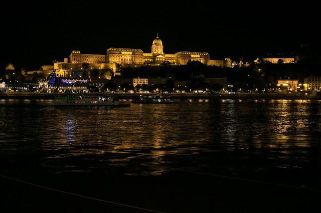 Collina del castello di notte-Budapest
