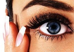How to Get Rid of Eye Floaters Naturally: 3 Best Natural Treatments