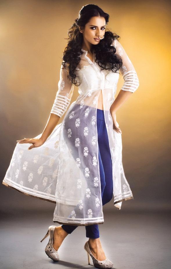 Mallu Hottie Sruthi Hariharan Stunning Hot Deep Sexy Navel -8484
