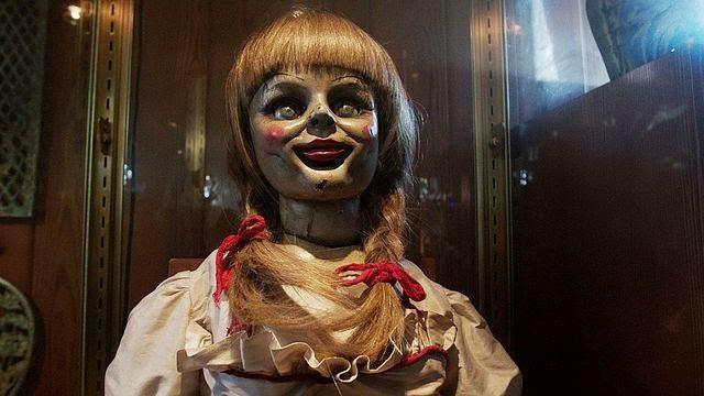 Boneka annabelle dalam film