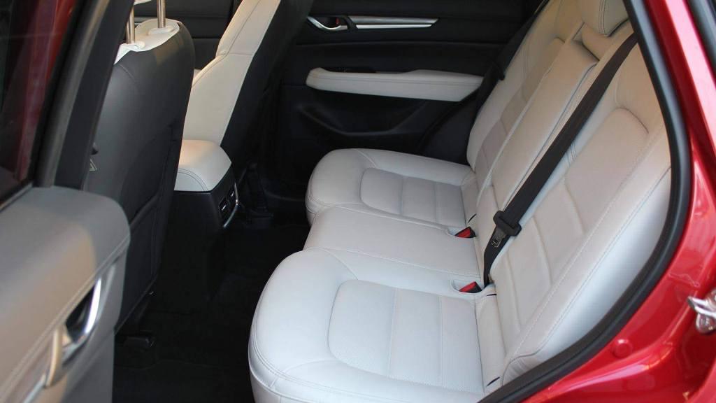 Задние сидения Mazda CX-5
