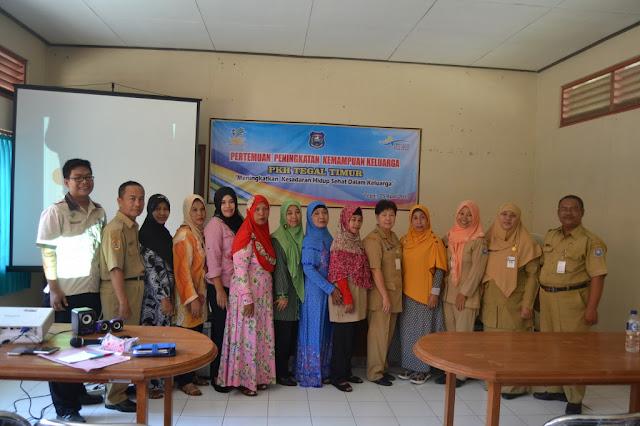 Foto bersama perwakilan dari dinsos, PKH, pusmesmas dan KPM