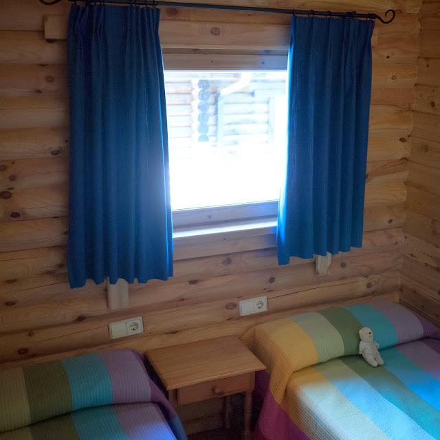 Habitación de los niños en nuestra cabaña nórdica de Cuenca