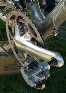 Road bike SPD pedal and right crank