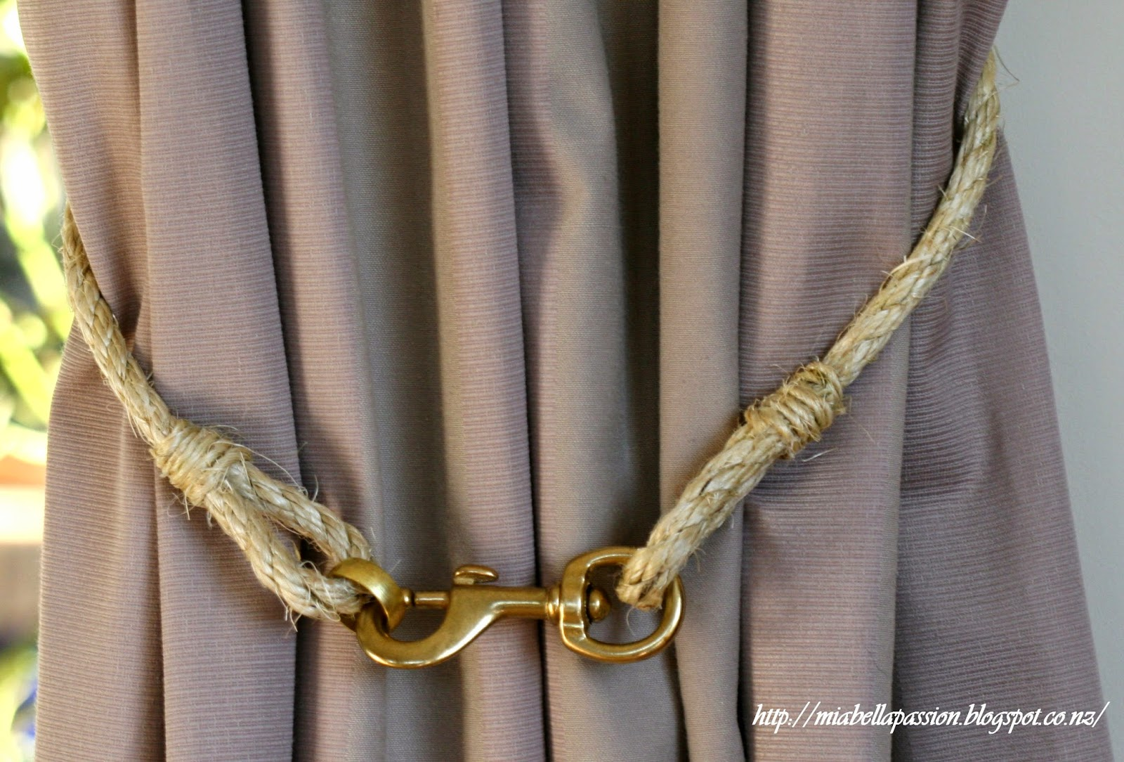 Mia Bella Passions: DIY Rope and Brass Curtain Tie Backs...