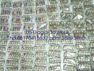 souvenir gantungan kunci boneka nyamplung, souvenir pernikahan murah