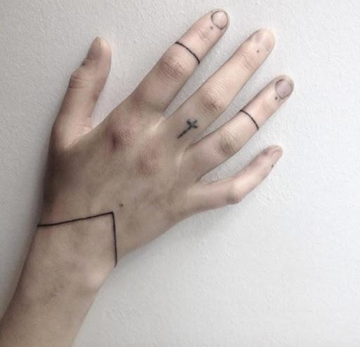 Este minimalista pulseira