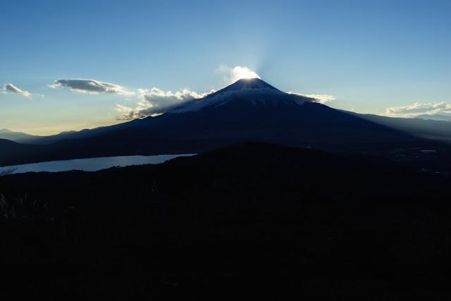 山梨百名山・竜ヶ岳頂上からの景色