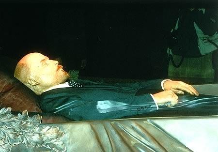 Η Ρωσία αποκάλυψε πόσο κοστίζει η διατήρηση του ταριχευμένου σώματος του Λένιν.