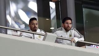 El astro del fútbol mundial sufrió cada uno de los goles españoles. Estuvo en el palco del estadio Wanda Metropolitano junto a Manuel Lanzini.