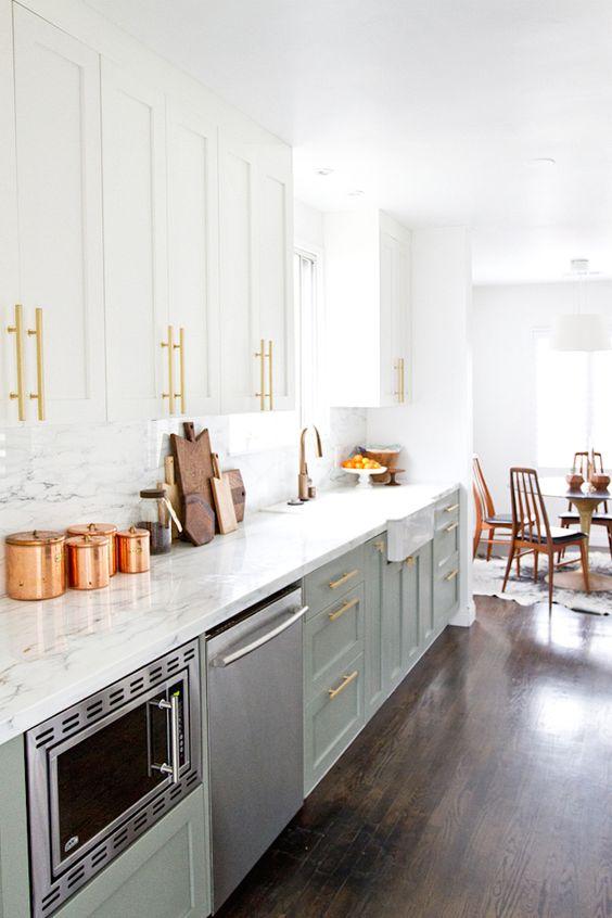 Διαφορετικές-μεταλλικές-λάμψεις-στη-κουζίνα