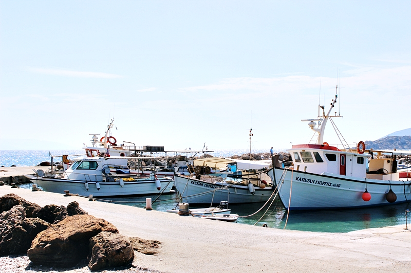 Ambelas Paros small boat port