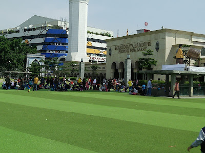 Liburan ke Bandung, Tak Lengkap Sebelum Berkunjung ke Masjid Raya Bandung