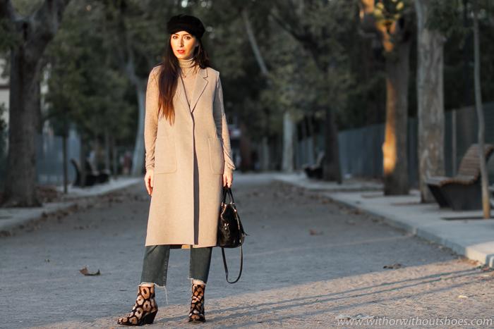 Blogger influencer moda valencia look tonos neutros camel y gorra baker boy