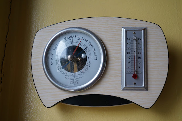 baromètre années 60 en formica  60s barometer 1960s vintage
