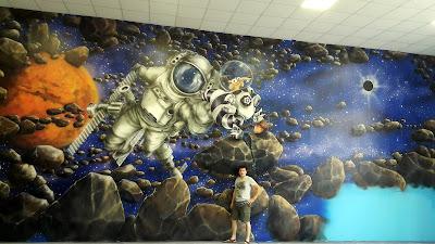 Malowanie bawialni, aranżacja sali zabaw dla dzieci, mural ścienny w sali zabaw, graffiti 3D