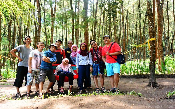 Foto bareng blogger Eksplor Desa Wisata Malang