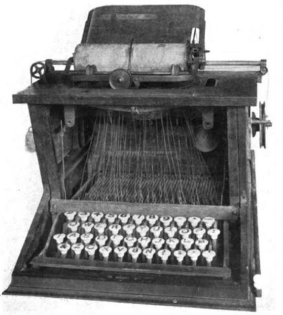 keyboard qwerty pertama