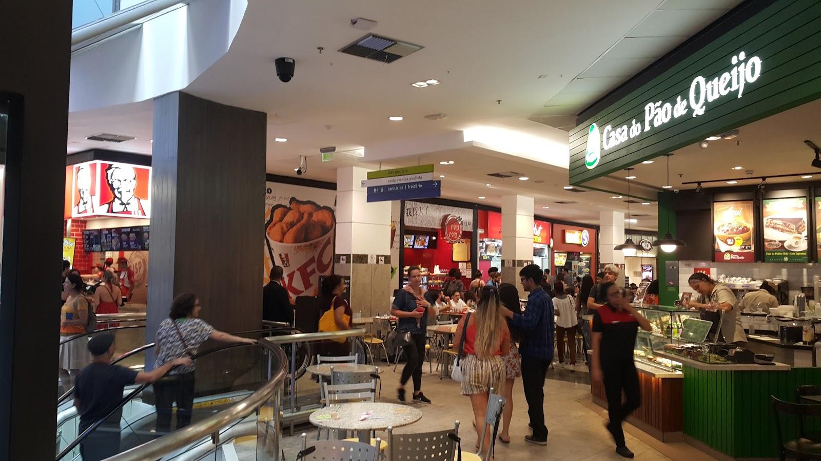 A boa praça de alimentação do Center 3 (Foto  Eduardo Pires) fe3c46c36b