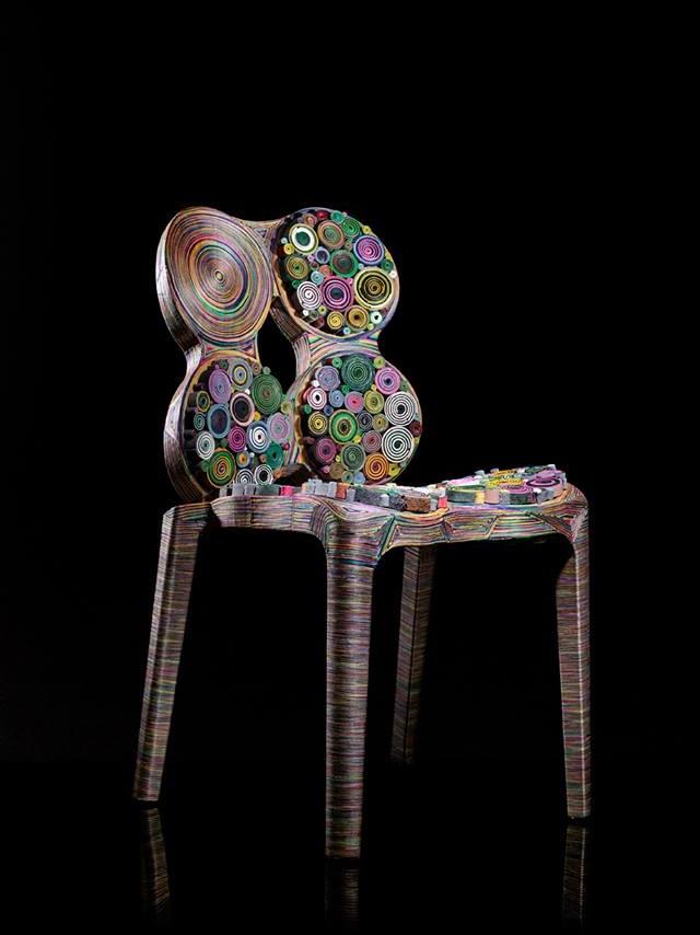 krzeslo z papieru i tektury