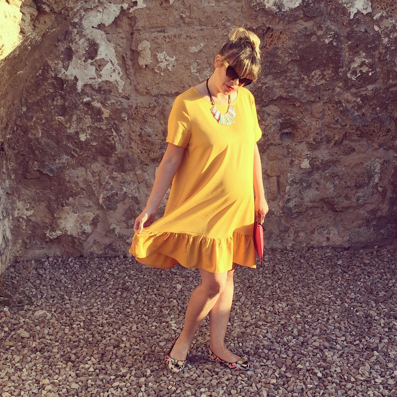 שמלת פפלום צהובה קסטרו