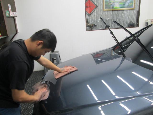 旭昇專業汽車美容中心: 本店提供小美容、大美容、精緻洗車打蠟與頂級鍍膜服務。 不僅如此,本店尚提供到府牽車服務。