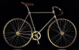 Ini Basikal Crystal Gold Edition Dari Aurumania Adalah Eksklusif Buatan Tangan Dengan Lebih Daripada 600 Kristal Swarovski Yang Mempesonakan Menghiasi Badan