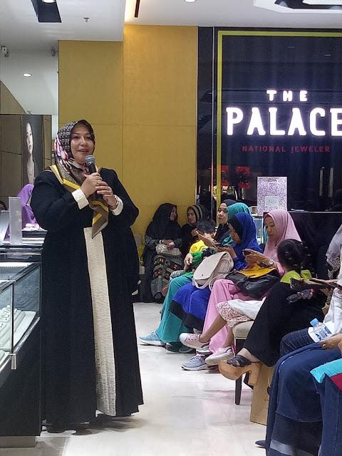 launching buku menuju bahtera ikhlas dan busana trend hijab 2019