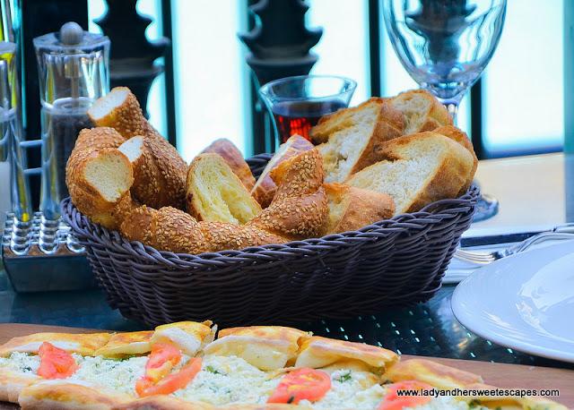 bread basket in Gunaydin