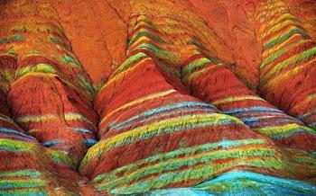 Τα απίστευτα πολύχρωμα βράχια της Κίνας [photos]