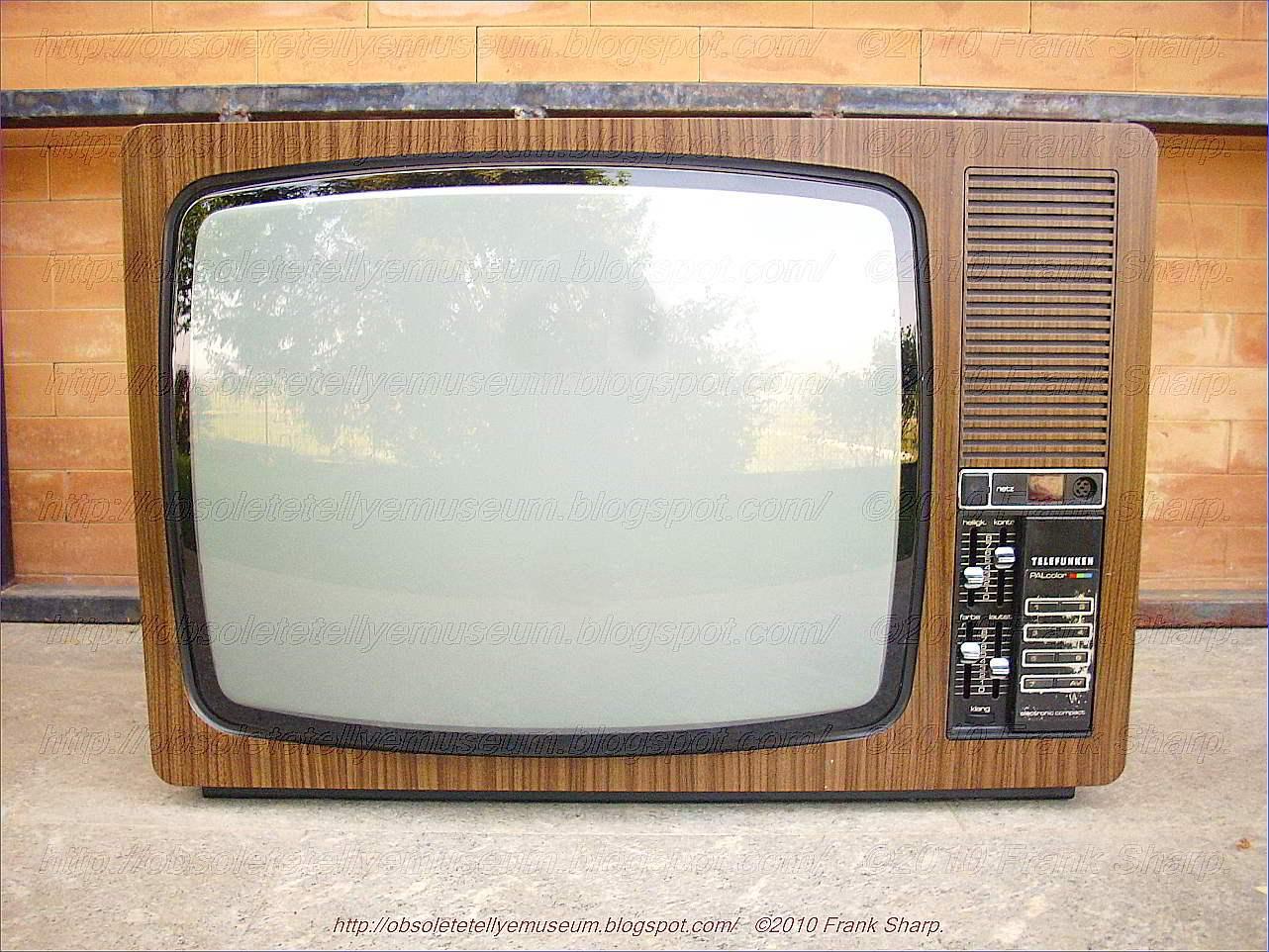 Obsolete Technology Tellye !: TELEFUNKEN PALCOLOR 656J YEAR 1977