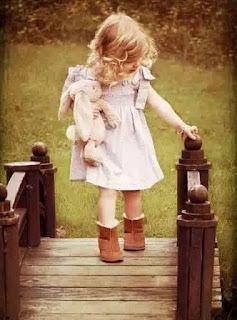 Contoh Sepatu Anak Perempuan Dengan Flat Boots
