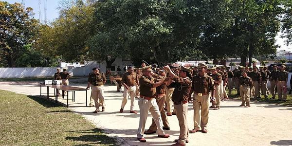 Danga-nirodhak-yantro-va-dhalawa-drill-abhayas-police-karmiyo-ko-karaya-gayya