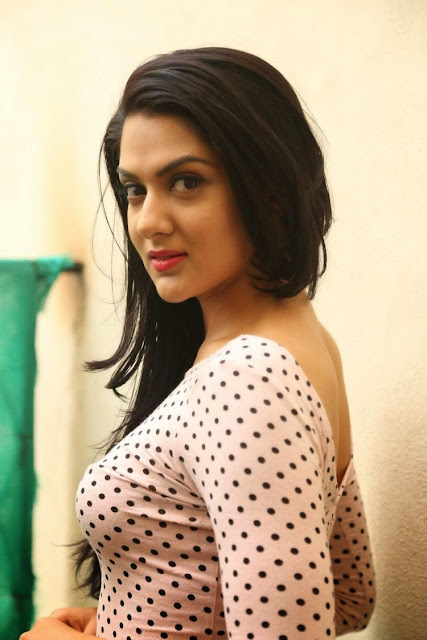 Sakshi chaudhary latest images