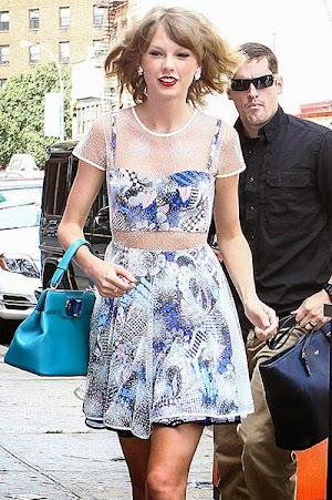 Celebrity Street Style: Taylor Swift on the streets of New York